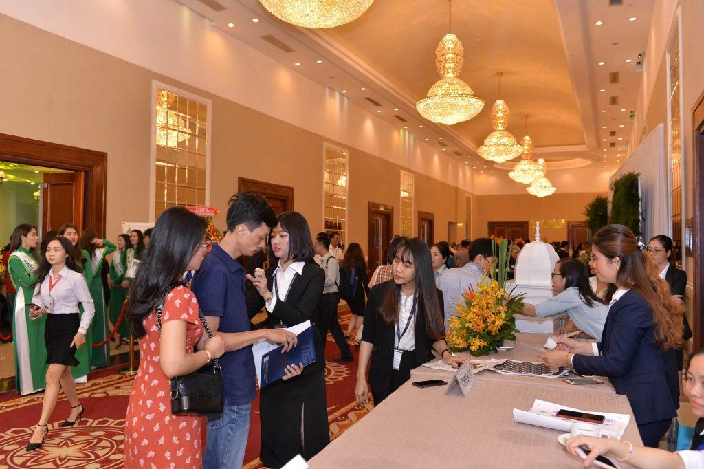 Khách hàng đến tham dự sự kiện công bố dự án Phúc Yên Prosper Phố Đông